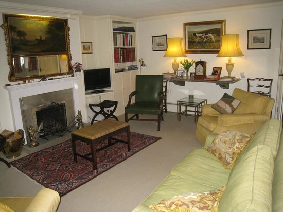 The Moorhouse: Elegance of the Sitting Room