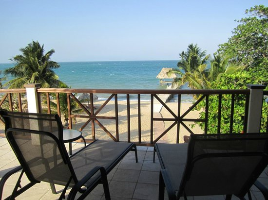 Jaguar Reef Lodge & Spa: Our private terrace where we had breakfast every morning (we had a kitchen in our suite)