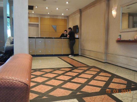 Novo Vernon Hotel: Recepção