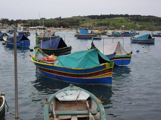 Bella Vista Hotel : fishing village