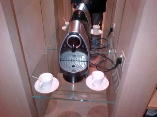 Le Grand Balcon: Buena cafetera para empezar un buen día!