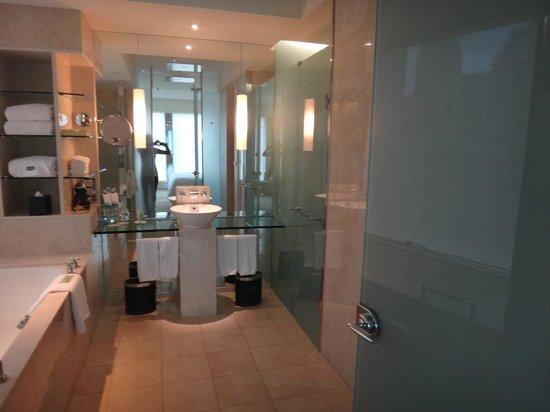 The Westin Sydney: bathroom