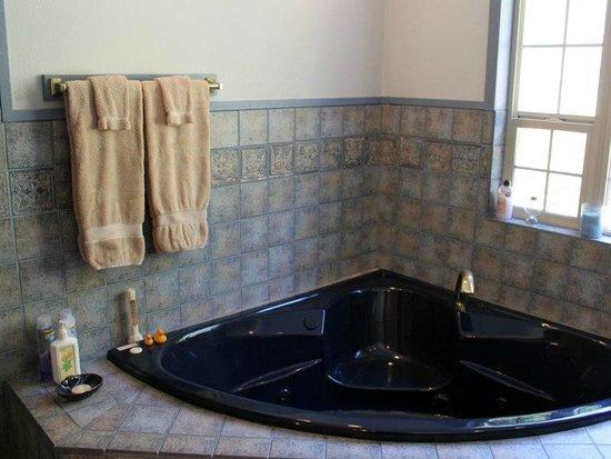 Blue Heron Inn: www.blueheroninnflorence.com