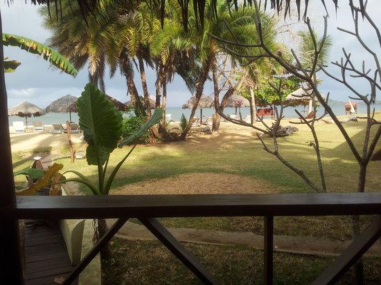 Orangea Village: Vista dalla veranda del bungalow 9