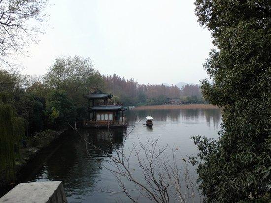 Su Causeway: Boats