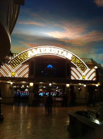 Ameristar Casino Kansas City: Casino entrance