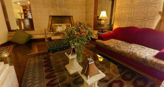 Basadre Suites Boutique Hotel: Sala de Espera