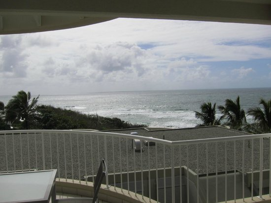La Mer Beachfront Apartments: view from hall balcony 3