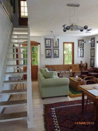 Akademie Street Boutique Hotel and Guest House: Sitting are and stairs to first floor