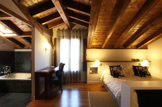 Iribarnia Hotel Rural : Junior suite Hayedo Milenario
