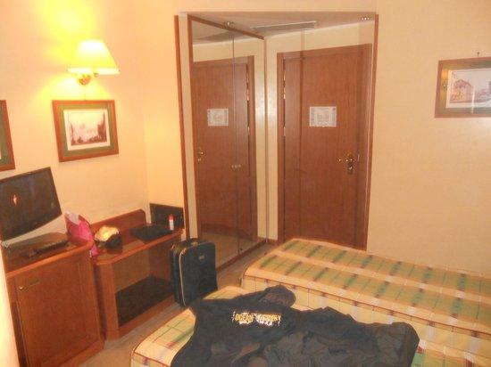 Milani Hotel : Ingresso camera