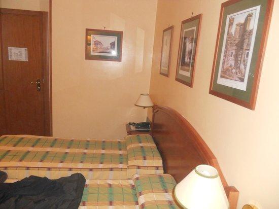 Milani Hotel : Dettaglio camera