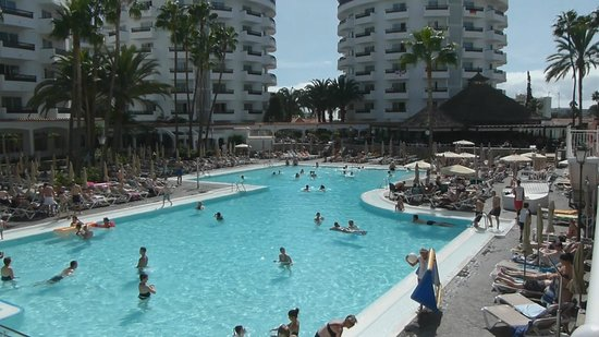 Hotel Servatur Waikiki: Pool Area