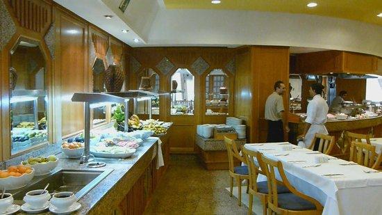Hotel Servatur Waikiki: Restaurant
