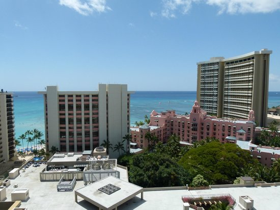 Holiday Inn Resort Waikiki Beachcomber: View from our balcony