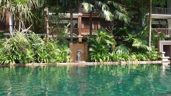 Belmond La Résidence d'Angkor: Hotel pool