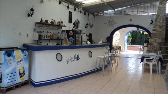 Yaya's Cafe: THE BAR