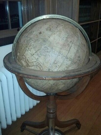 Middletown, CT: Globe