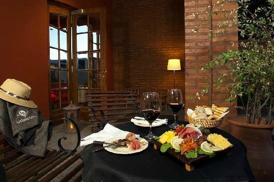 Las Bayas Hotel & Restaurant: Jardín
