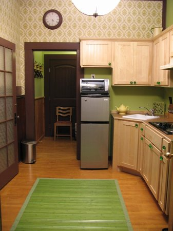Victoria Falls Guesthouse : EACH SUITE HAS A FULLY EQUIPPED KITCHEN!