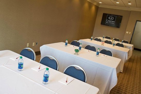 Comfort Suites Mattoon: Mattoon Meeting Room will accomodate up  to 30 guests