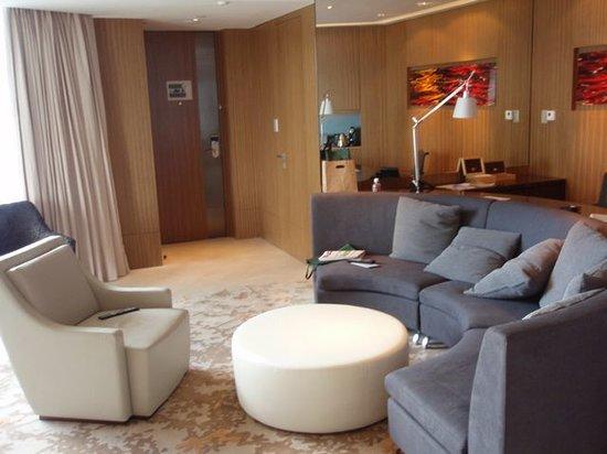 Hotel ICON: номер гостинная