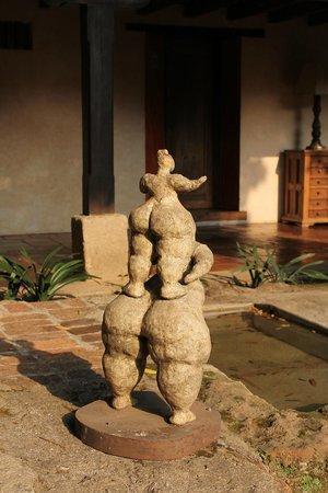 Casa Santo Domingo : Algunas de las esculturas