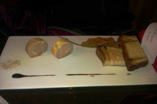 La Table d'Alais: Foie gras mi-cuit, chutney d'abricots secs et brioche tiède