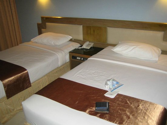 Pinnacle Lumpinee Park Hotel: Bedroom