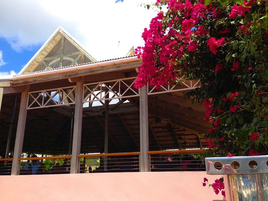 Moorings Mariner Inn Hotel: Nice gardens