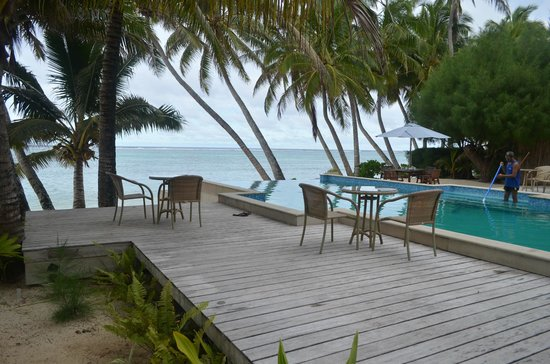 Little Polynesian Restaurant: Dining by the pool