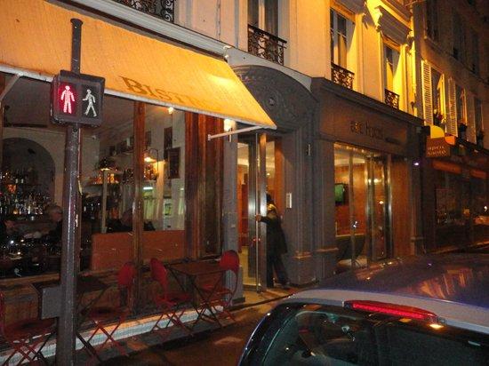Art Hotel Batignolles: Frente del Hotel