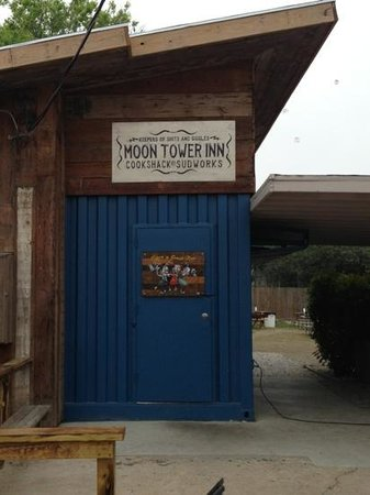 Photo of American Restaurant Moon Tower Inn at 3004 Canal St, Houston, TX 77003, United States