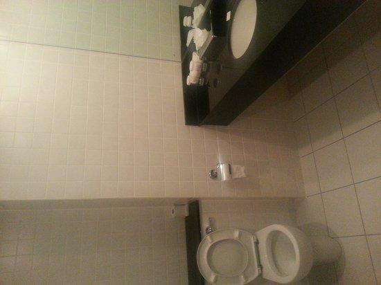 Clayton Hotel Limerick: Nice bathroom
