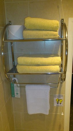 Amarillo : Fresh, Clean towels