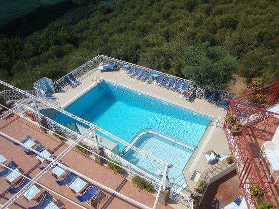 Hotel Dania: la piscina dell'hotel