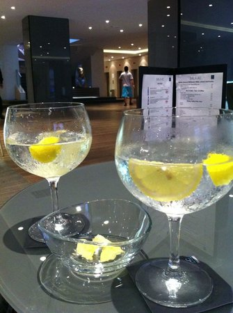 AC Hotel Iberia Las Palmas: The (in)famous Gin & Tonics