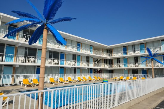 blue palms resort boardwalk bungalows wildwood nj. Black Bedroom Furniture Sets. Home Design Ideas