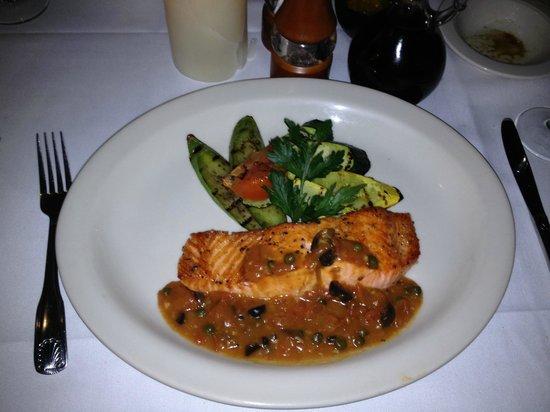 Baci Bistro: Salmon special