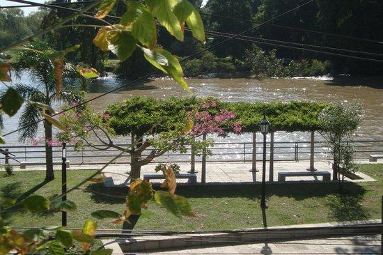 Petit Hostel Frente al Río: Vista al rio