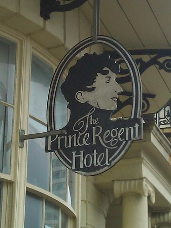 Prince Regent Hotel: entrance