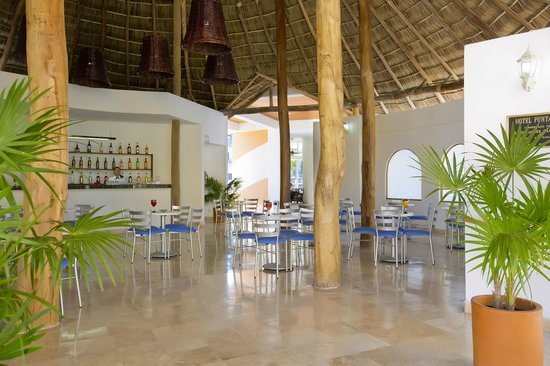 Costa Club Punta Arena: New lobby bar