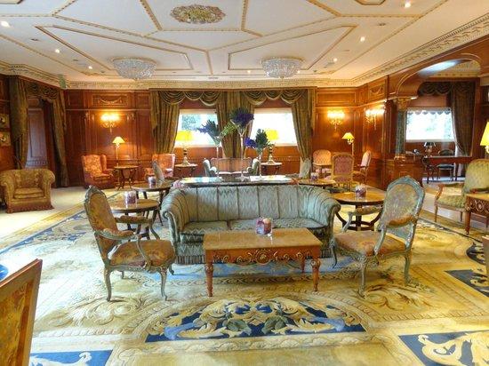 Parco dei Principi Grand Hotel & SPA: Lounge in the Hotel