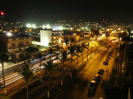 Costa Club Punta Arena: Night view to the south