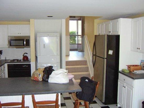 The Yachtsman Condominium Rentals: Kitchen area