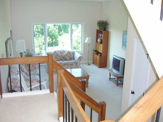 The Yachtsman Condominium Rentals: View of the lounge