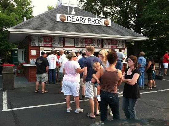 Deary Brothers Mike's Stand: great food great people great place