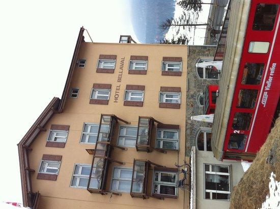 Hotel Bellaval: Vista dalla stazione