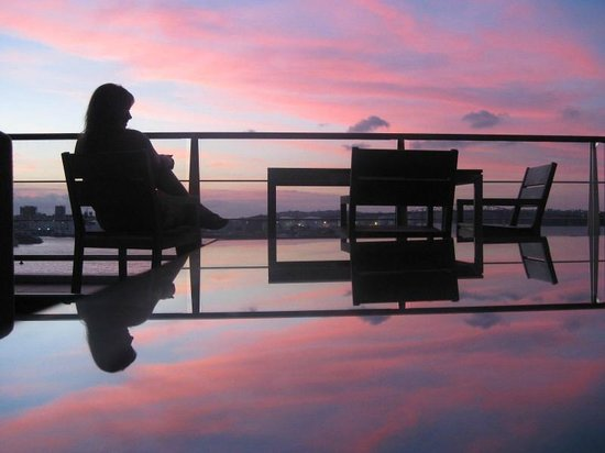 Auckland Waterfront Serviced Apartments: One of many beautiful.sunsets