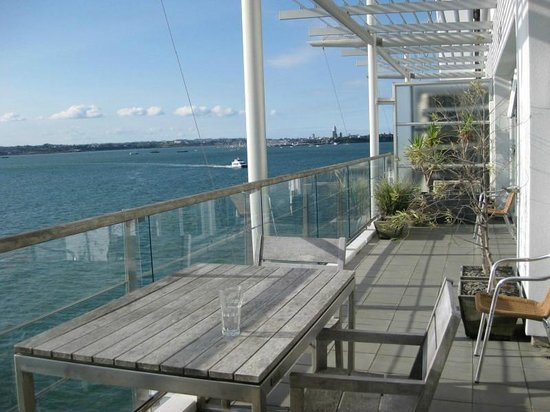 Auckland Waterfront Serviced Apartments: Fab View from Deck